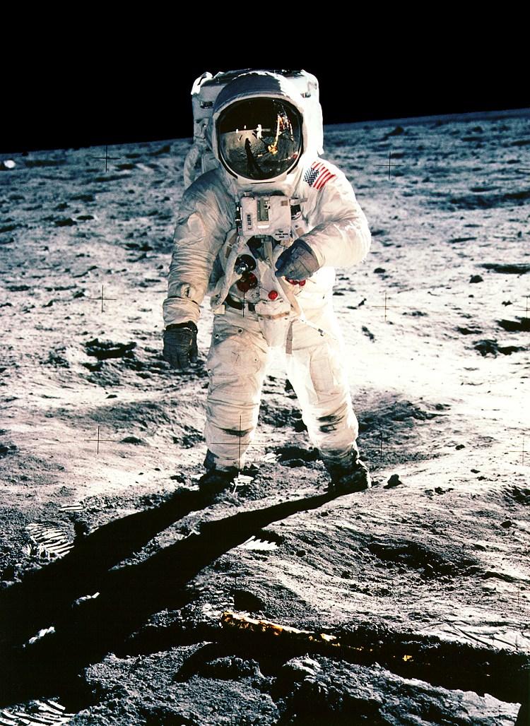 meter um homem na lua